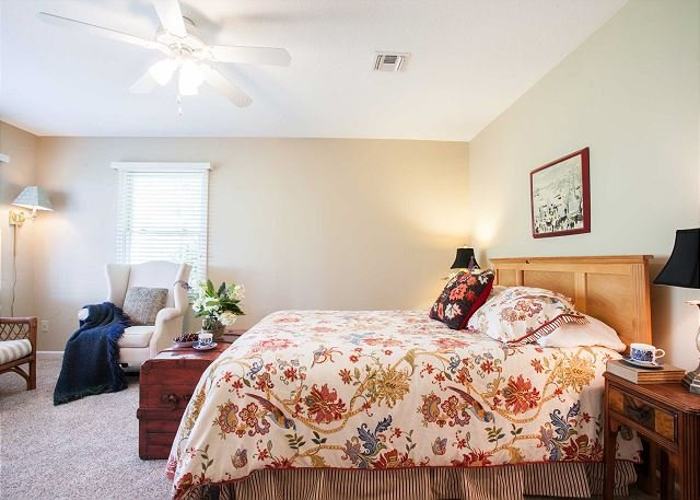 Dormitorio planta baja w / reina