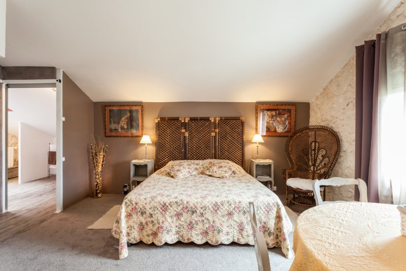 Chambre Chardonnay pour 2 personnes, holiday rental in Ouveillan