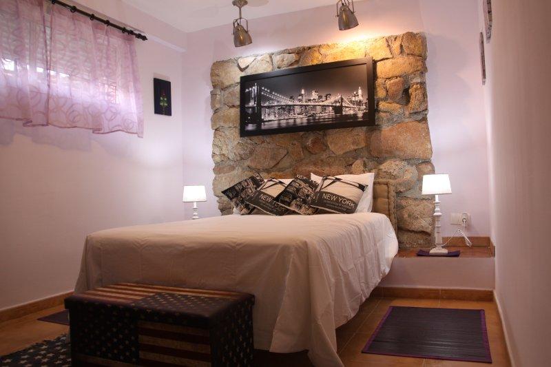 APARTAMENTO  'A Orillas del Lago' Casa 23-B, vacation rental in San Martin de Valdeiglesias