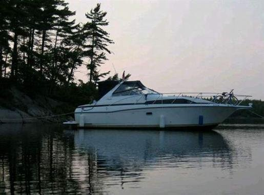 GO ON CRUISE ON YOUR PRIVATE YACHT, aluguéis de temporada em Grenville-sur-la-Rouge