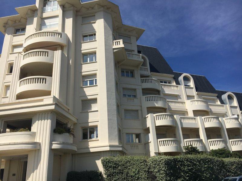 Appartement  de vacances vue océan proche de Biarritz avec terrasse et piscine