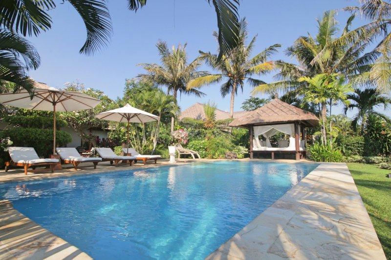 Four Bedroom Beachfront Villa Segara Indah Bali, holiday rental in Temukus
