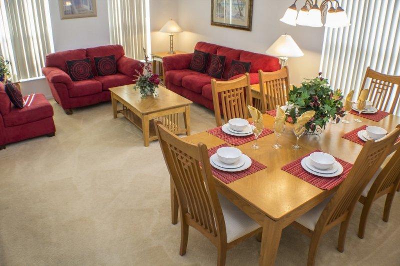 Le Salon et salle à manger formelle.