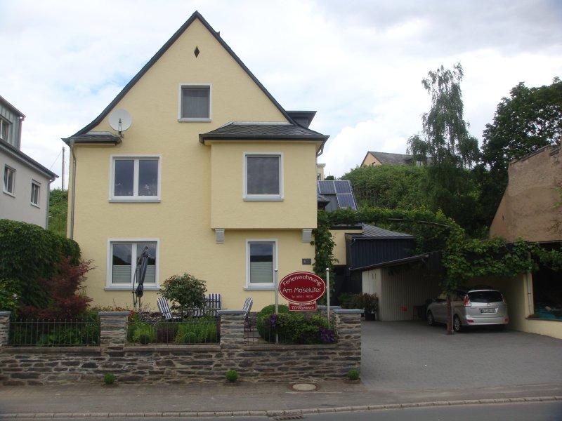 Ferienwohnung 'Moselufer', holiday rental in Neuerburg