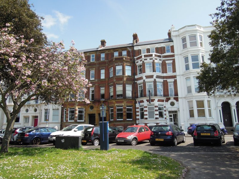 Special seafront apartment with stunning view in characterful Victorian building, holiday rental in Portsmouth