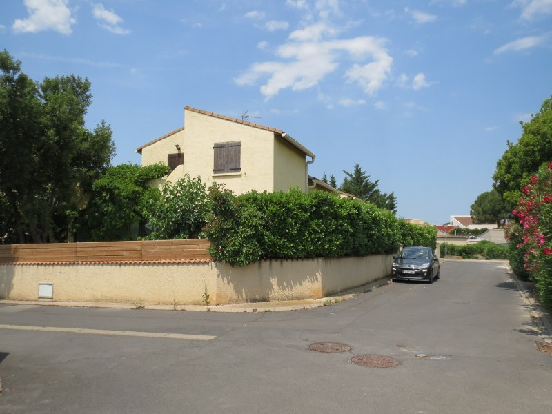 located on a corner plot in a quiet no-through road, secluded garden, terrace above