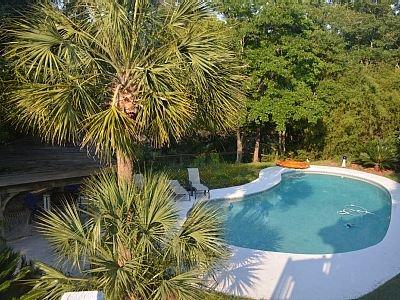 piscina del patio trasero