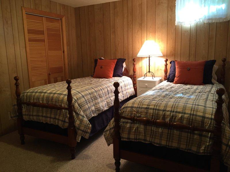 Lower floor bedroom. Two twin beds.