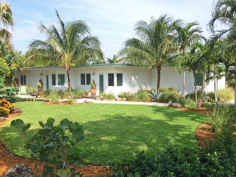 Private 1/1 At The Beach - Best Location!! – semesterbostad i Lauderdale by the Sea
