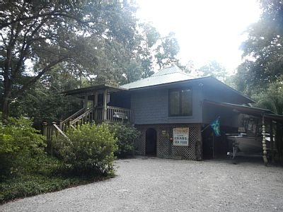 ReelLiving Canal Front 2 bed 2 bath sleeps 8, casa vacanza a Fairhope