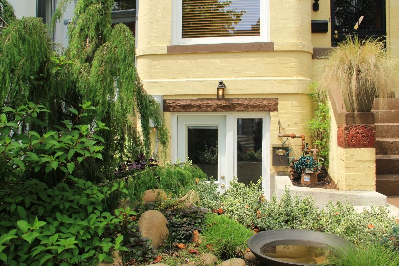 One Bedroom Apartment in Beautiful DC Rowhouse UPDATED ...