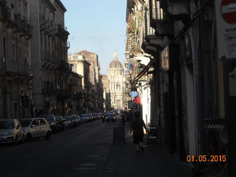 Vista panoramica sul Duomo di Catania