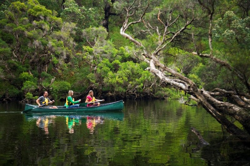 Within a 5 min walk of the beautiful Margaret River itself