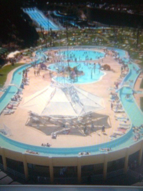 aqua park-surroundings