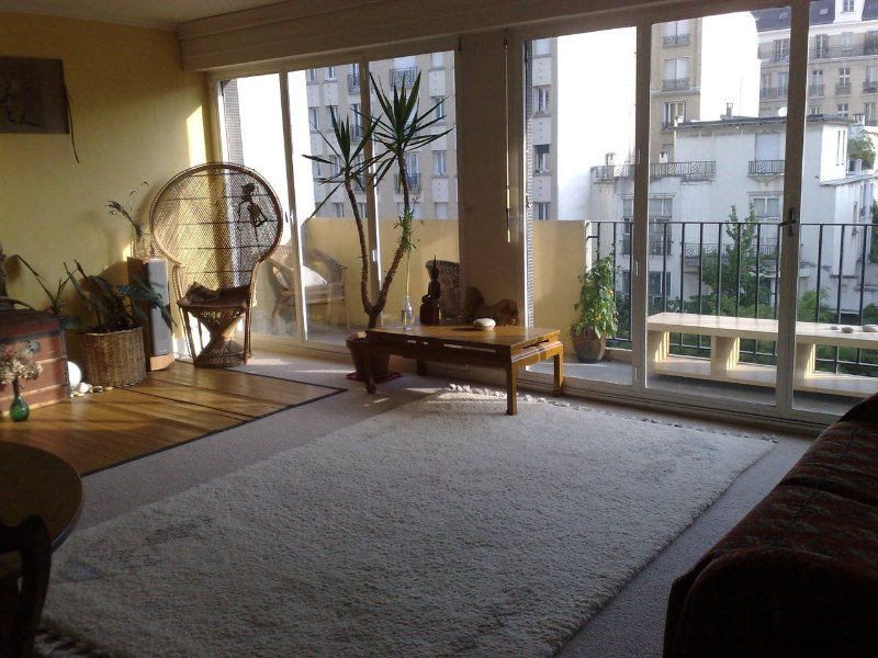 2/3 rooms, 70m2, quiet, two big balconies, holiday rental in Pantin