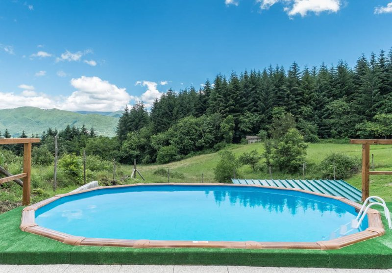 Secluded  mountain romantic hideaway with pool., Ferienwohnung in Sillano