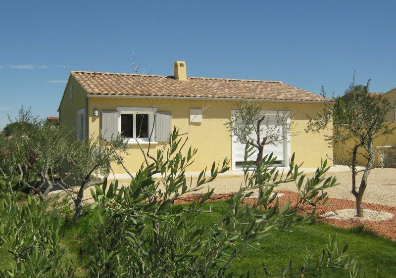 O Jardim das pombas, casa independente perto da aldeia e vista para o Luberon