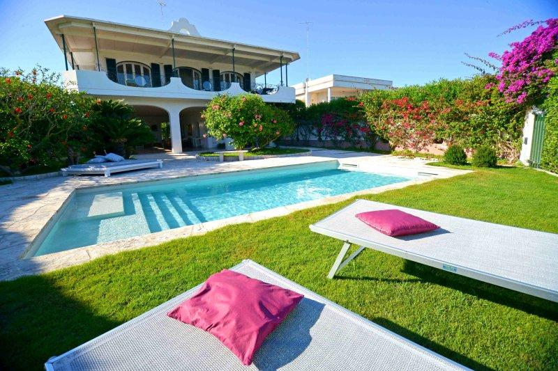 VILLA DELA, holiday rental in San Cataldo