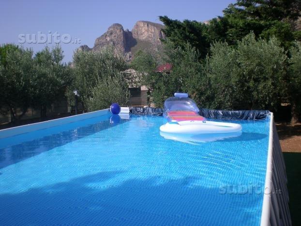 VILLA INDIPENDENTE CON PISCINA, holiday rental in Castelluzzo