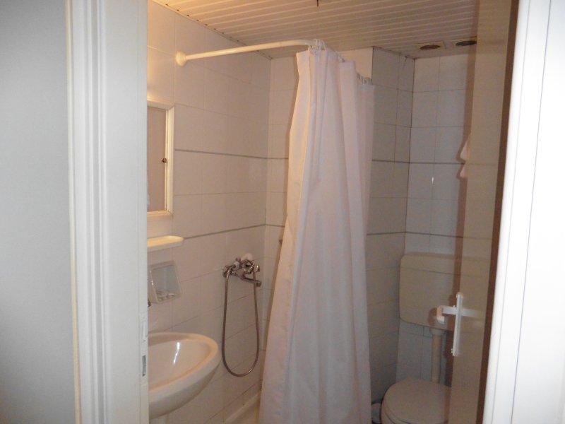 Shower/w.c