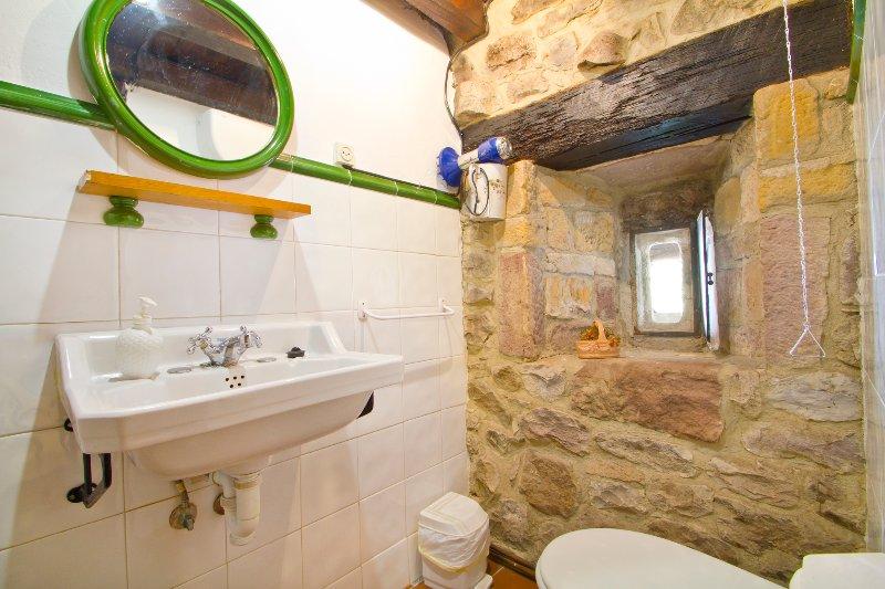 Modelo baño habitaciones