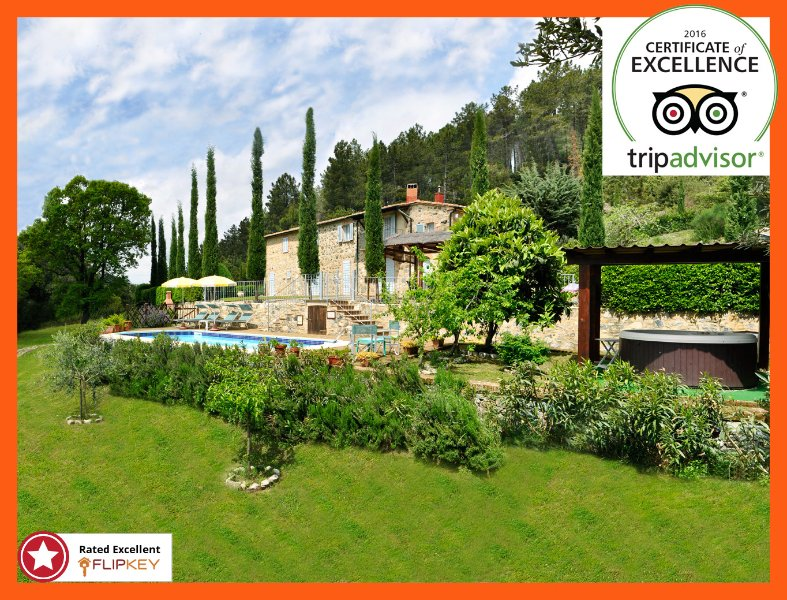 Villa with Pool and Jacuzzi private Deal 2020, vacation rental in Castelnuovo di Val di Cecina