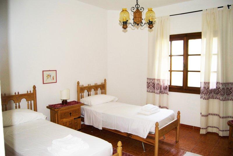 Villa con parco sul mare Golfo Aranci - SosAranzos, holiday rental in Golfo Aranci