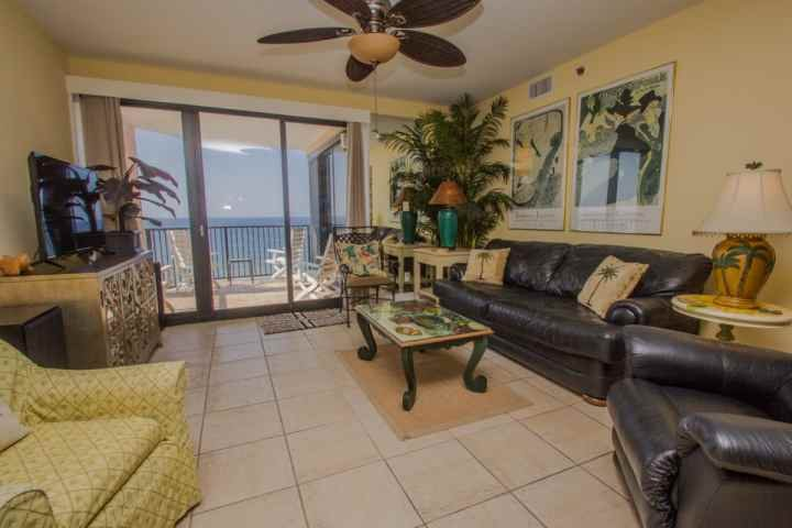Living room with access to Gulf-front patio