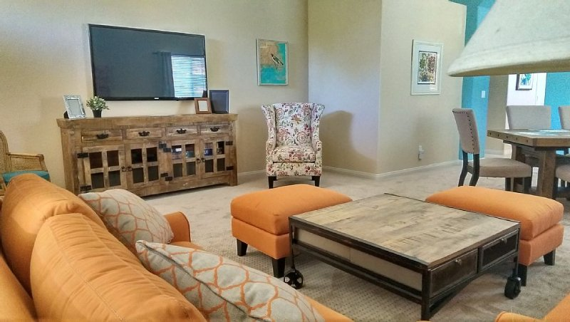 Add some color to your Vegas Vacation Summerlin, holiday rental in Las Vegas