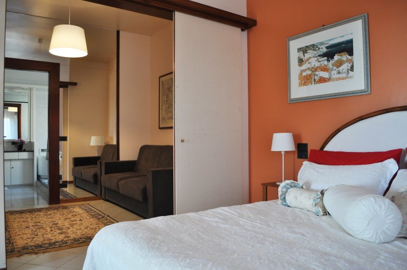 Camera matrimoniale Suite Il giardino di Cloe, vacation rental in Fiumenaro