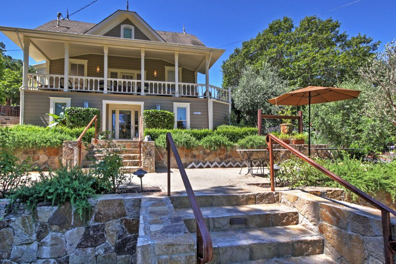 Explore Napa Valley from this luxury 7-bedroom Calistoga vacation rental house!