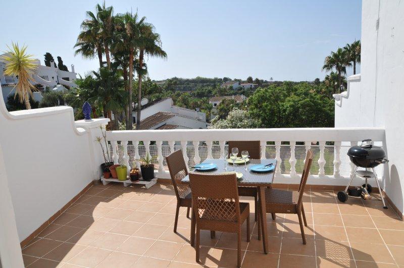 Belle terrasse avec vue magnifique sur Oasis jardin