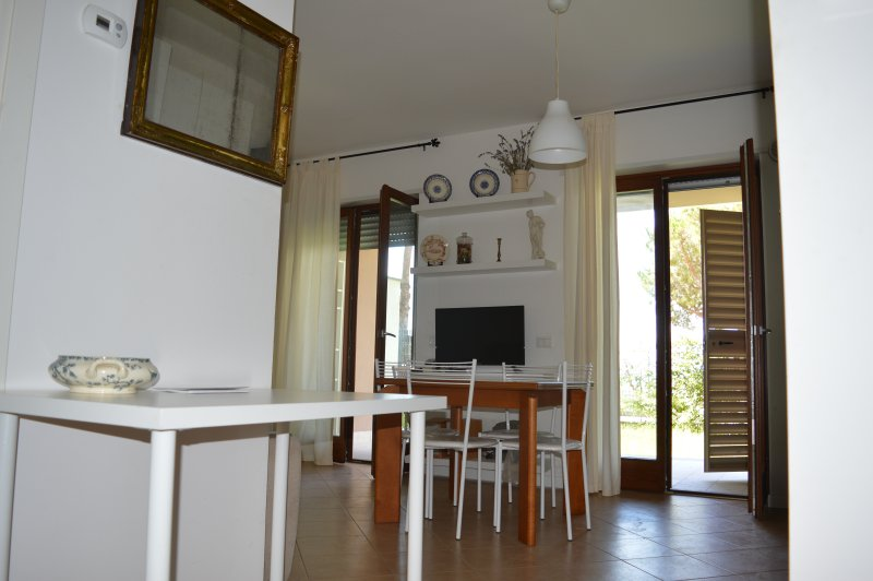 la Casetta holiday home, tra Roma ed il mare, vacation rental in Aranova