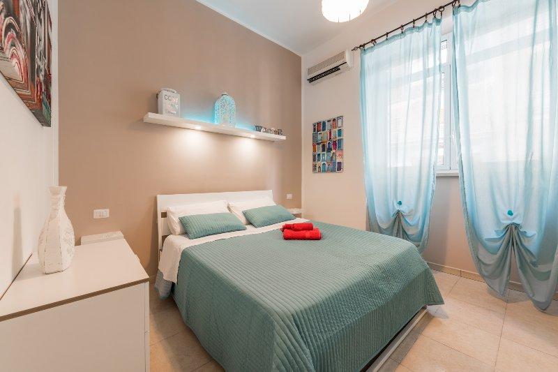 Appartamento design 6 posti letto Centro città, holiday rental in Bari