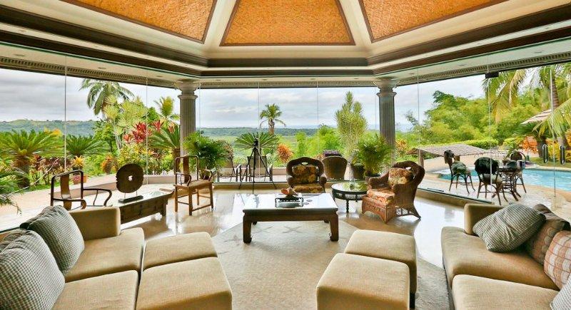 Sunrise House, Mountain Top Veiw, holiday rental in Bohol Island