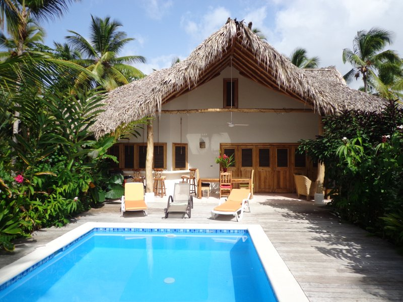 Caribbean villa and bungalow in luxury residence, holiday rental in Nagua