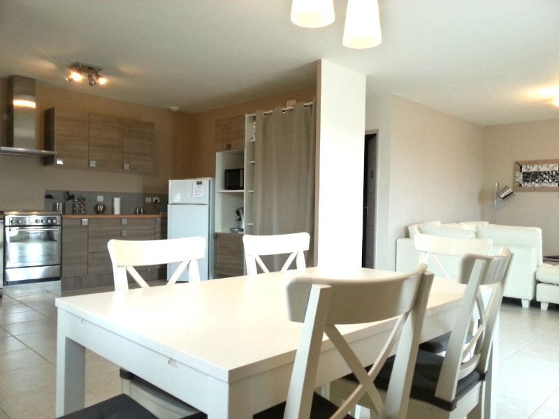 villa 80m2 proche Barcares/Perpignan climatisée, holiday rental in Peyrestortes