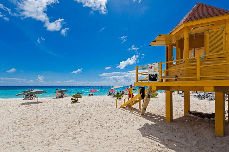 Benvenuti alle Barbados! Bellissime sabbie dorate e acqua turchese