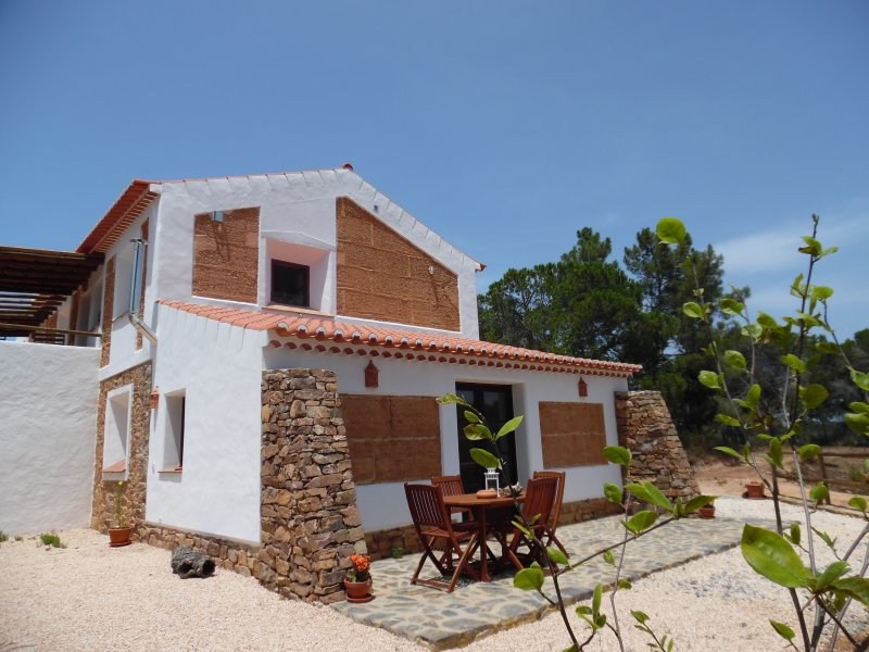 QB - Casa da Pedra - Turismo Rural, vacation rental in Beja District