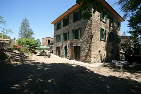 XVIII century farmhouse-Podere Vanni, holiday rental in Mercatale Valdarno
