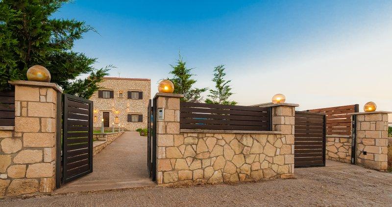 Villa Rea, alquiler de vacaciones en Kounoupidiana