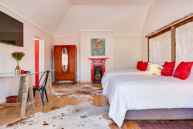 Holland House, holiday rental in Muizenberg
