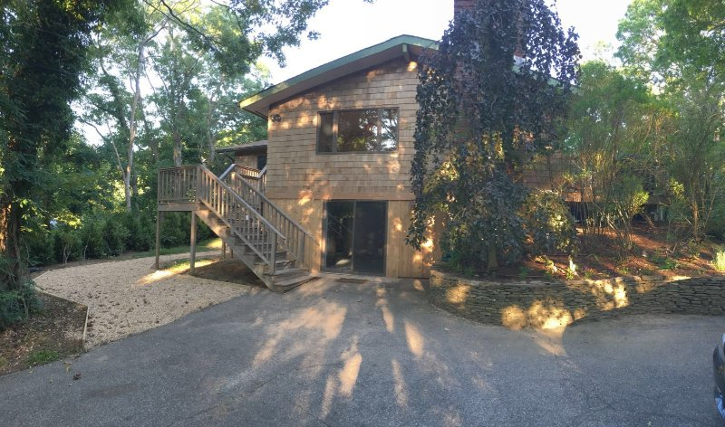 Front of house overlooks lovely wooded area