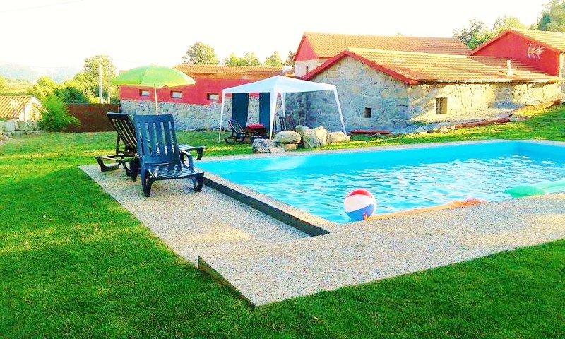 Village Minhoure com Piscina, alquiler de vacaciones en Pacos de Ferreira