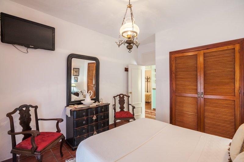 1 kamer met bed 150cm