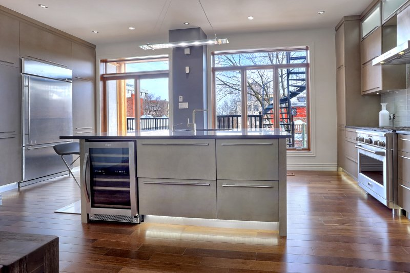 Fully Furnished kitchen with everyting