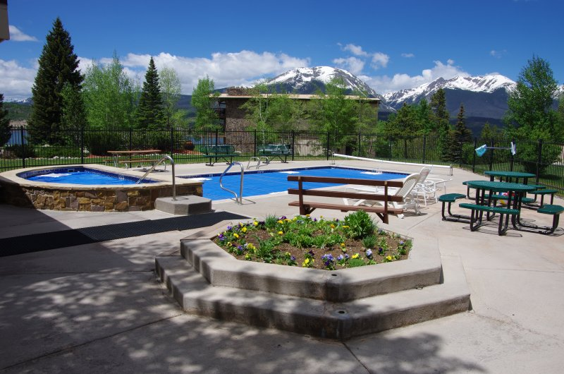 You'll love the fantastic community amenities!