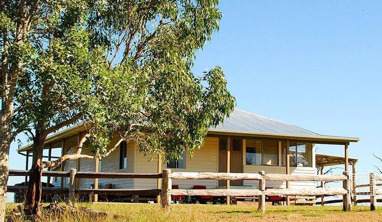 Jerakala Farmstay Bed & Breakfast, vacation rental in Mundubbera