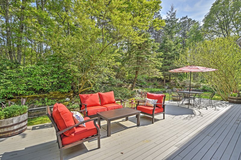 Relax in Cape Cod at this 4-bedroom, 2.5-bath Falmouth vacation rental house!