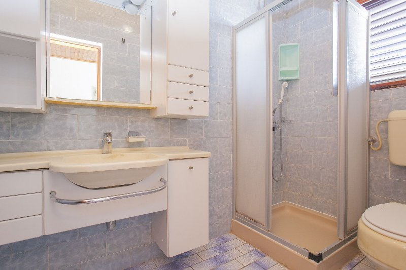 A6 (4 + 1): Bad mit WC